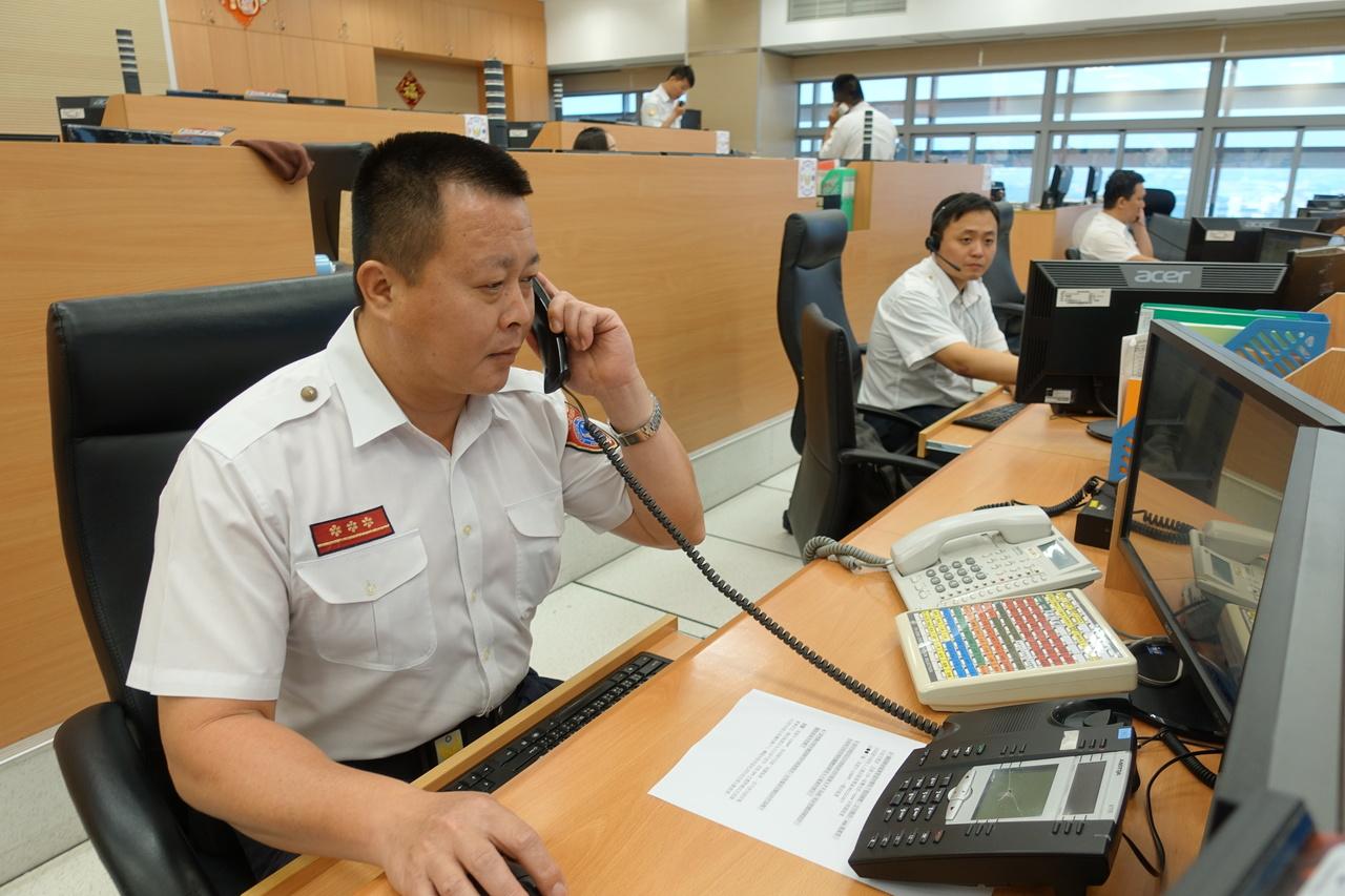 高市消防局指揮中心線上指導 掌握救援黃金時間