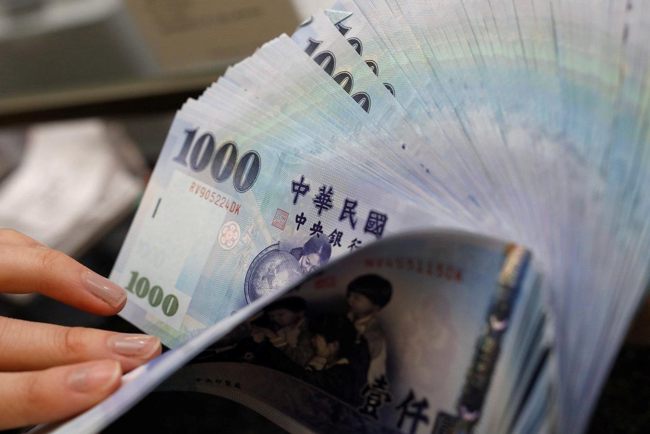日圓、台幣今年無政策意外卻走強 那明年還能多強?