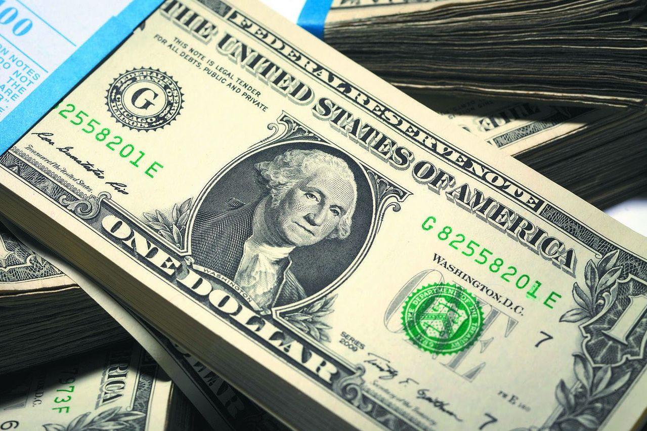 美元創低 美元保單去年銷售成長逾倍