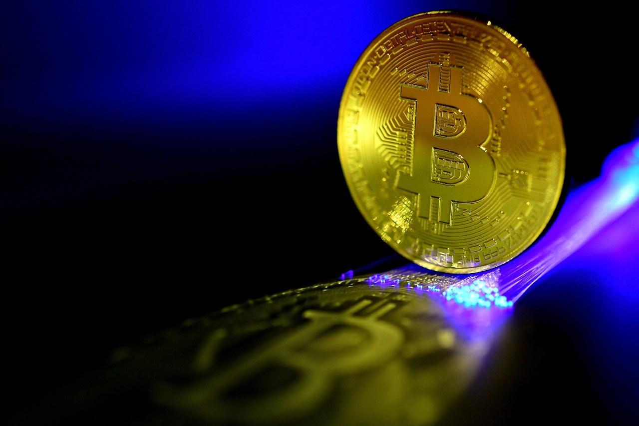 南韓考慮禁止交易 中國打壓 比特幣重挫25%