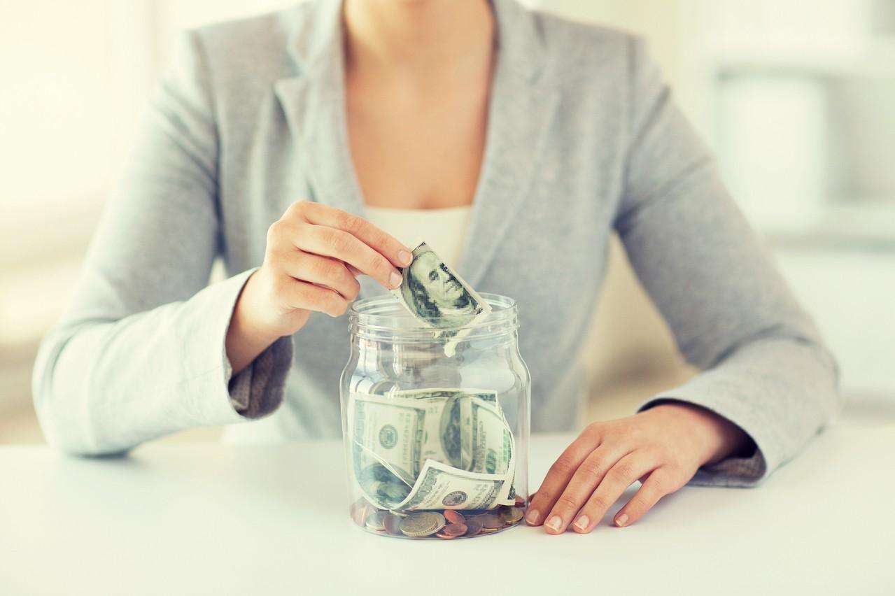 台灣人愛美元保單 2個月內花逾千億台幣搶購