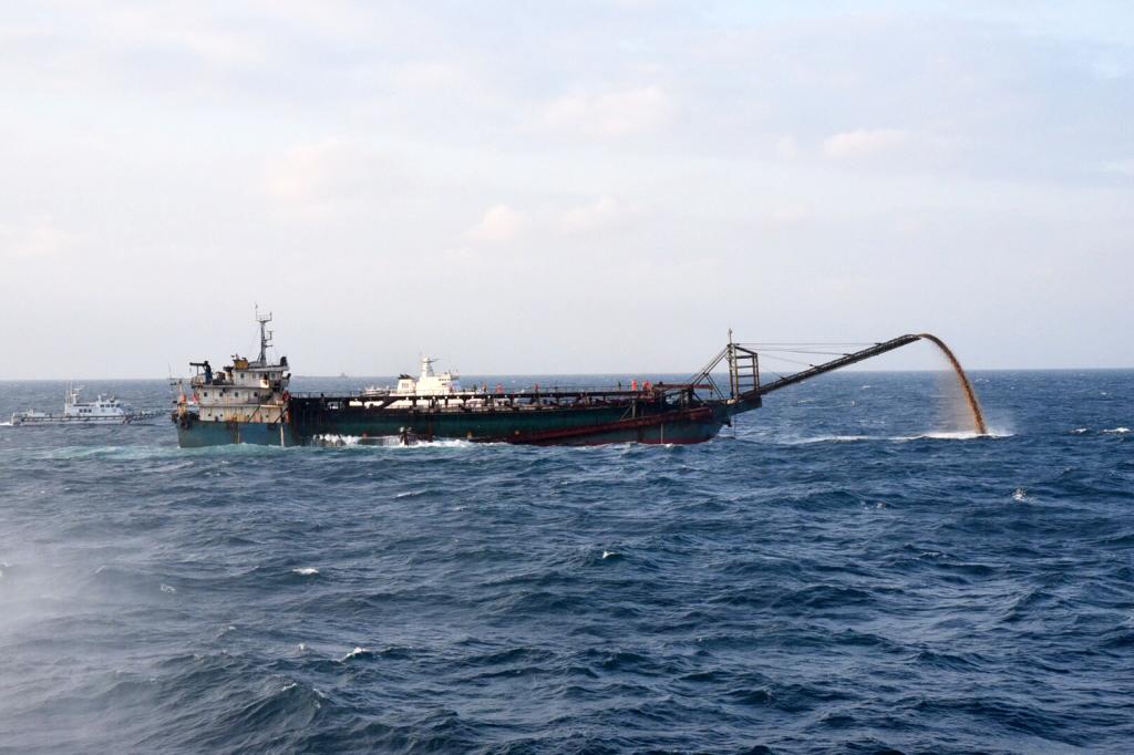 誰破壞了深海的大鳳梨?從中國船隻在臺灣淺堆抽砂談起(上) | 廖英雁 ...