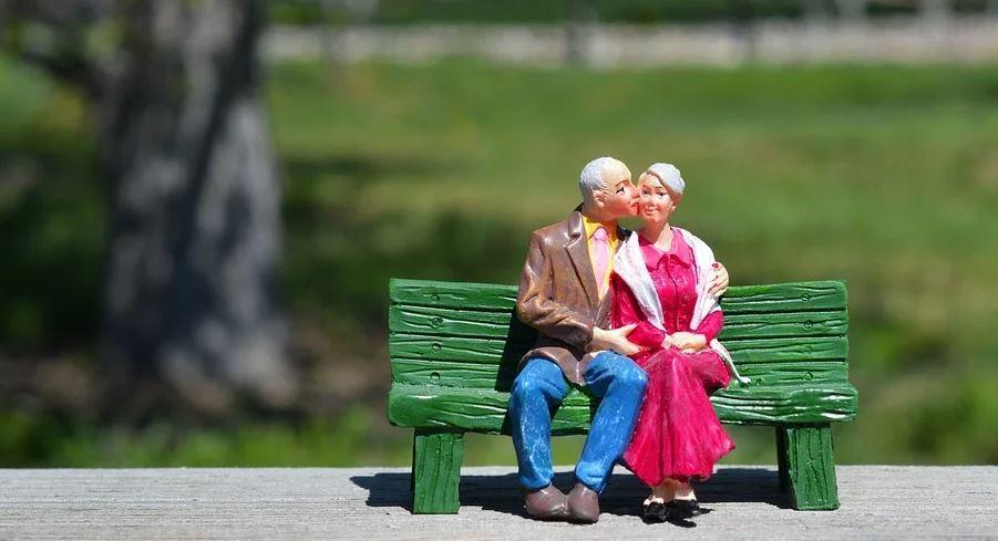 50歲退休要準備多少錢 ?她49歲退休已三年:這樣做,一人1,000萬就夠