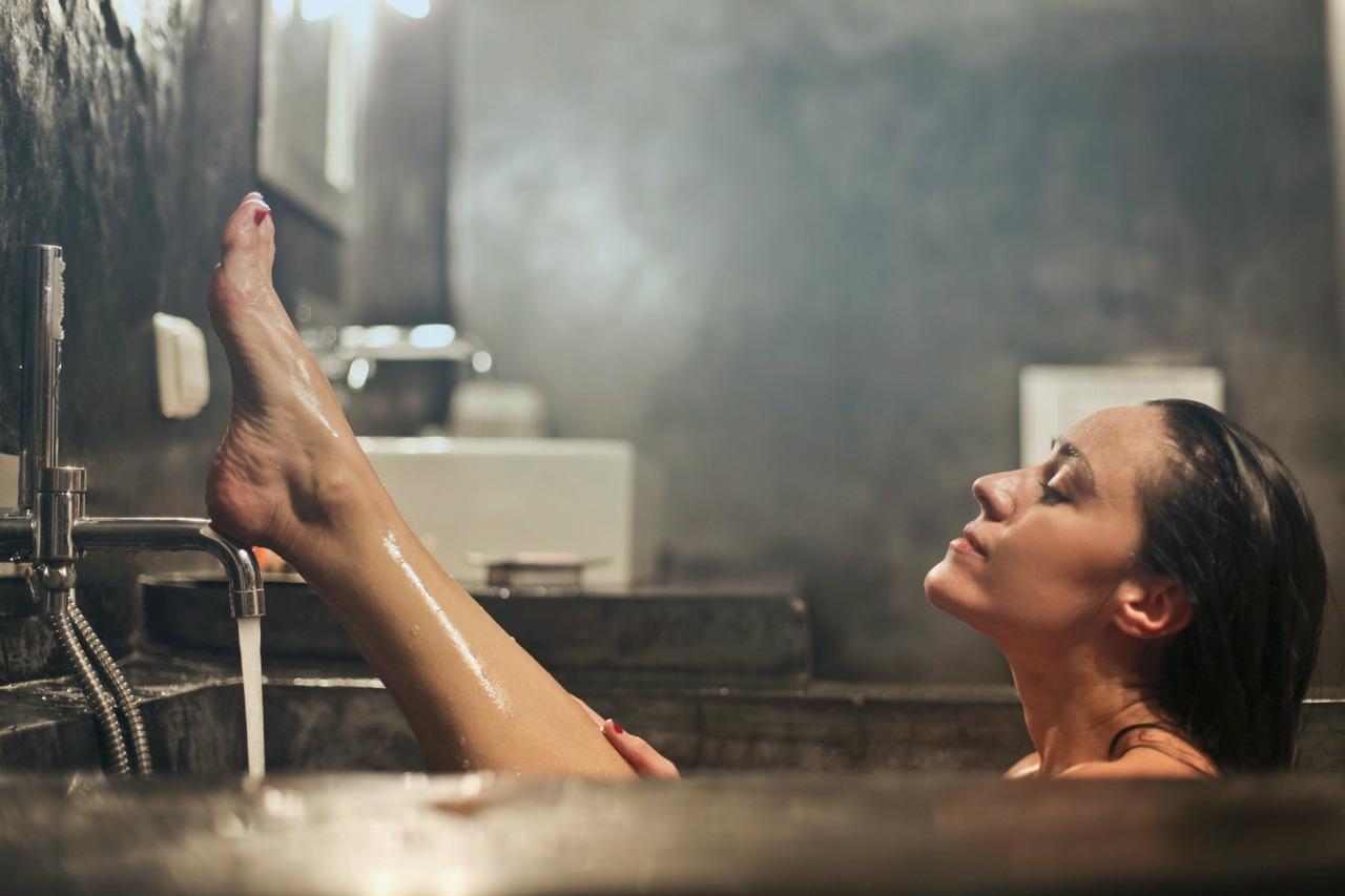 異位性皮膚炎不能泡澡?其實泡對「溫度」反而有益 | 橘世代