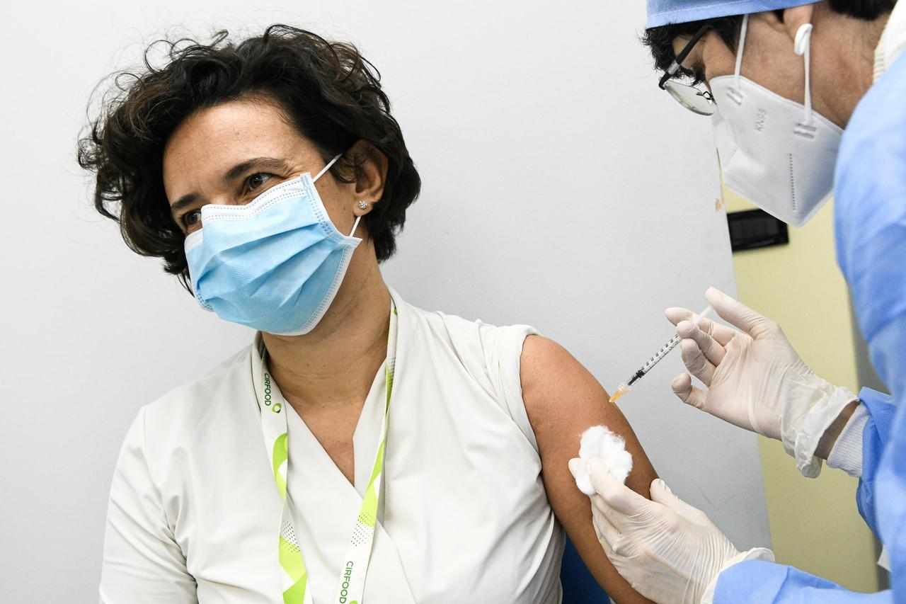 [新聞] 疫苗千呼萬喚始出來半數歐洲民眾卻不想