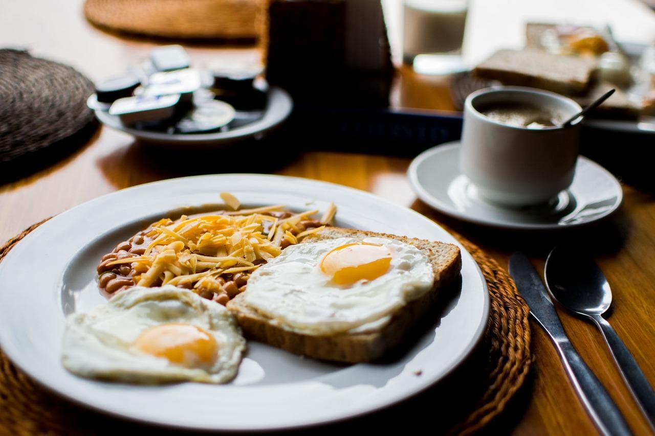 不吃早餐更好瘦?營養師:90%減肥不復胖的人都在吃早餐! | 橘世代