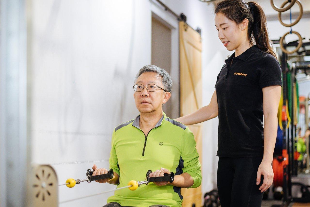 帶爸媽上健身房 重訓、練肌儲備未來力 | 橘世代