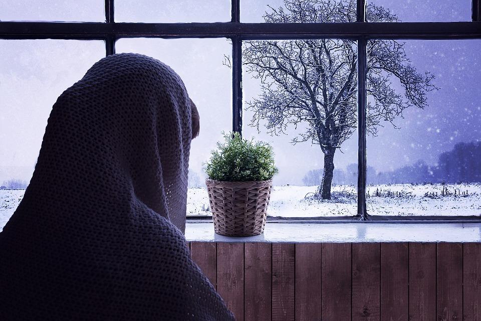 當房間一直冷...猝死就在接近你-別讓房間也失溫 | 橘世代