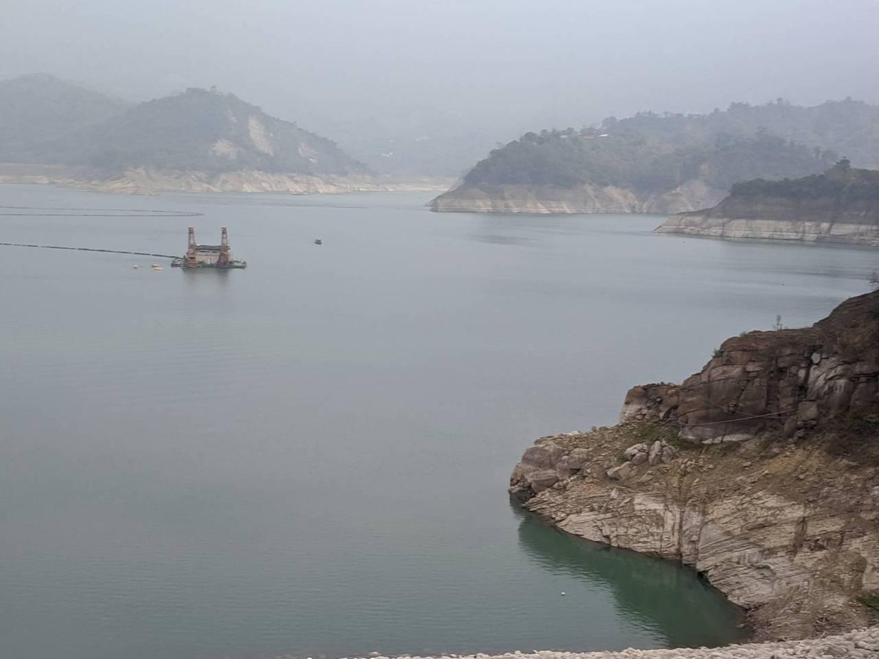 [新聞] 水情更嚴峻!高雄今凌晨停止支援送水台南