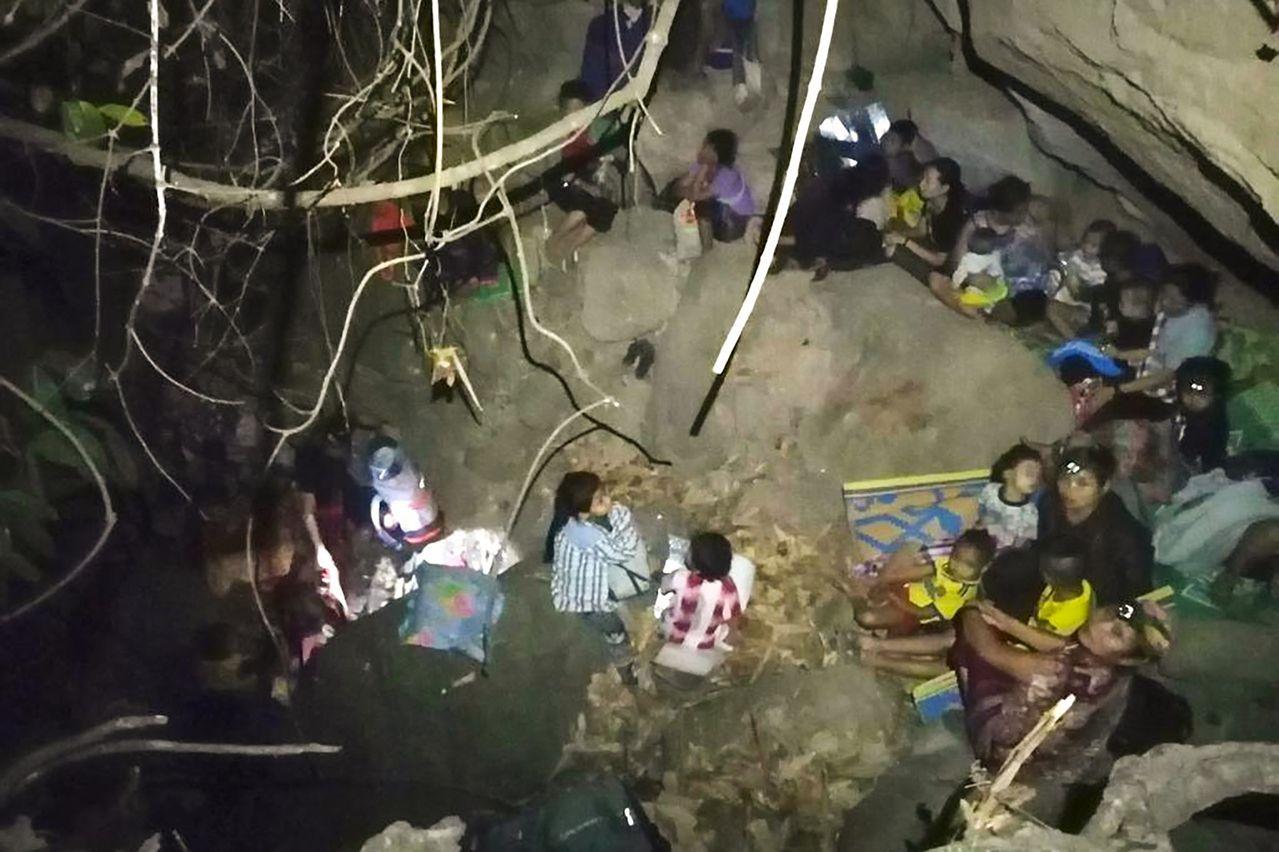 情報】掃射喪禮燒活人:緬甸軍方重現「羅興亞清洗」的酷刑戰術@場外休憩區哈啦板- 巴哈姆特