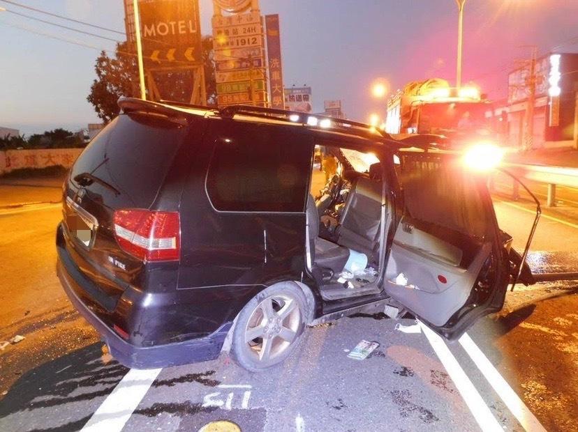 [新聞] 高雄警酒駕自撞命危 家屬:他平常不愛喝酒