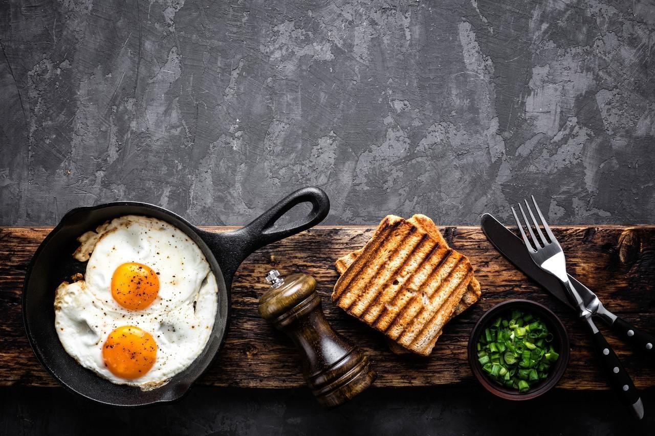 皇室成員的餐點很簡單,吐司、燕麥片、沙拉和水果都會出現。圖/ingimage