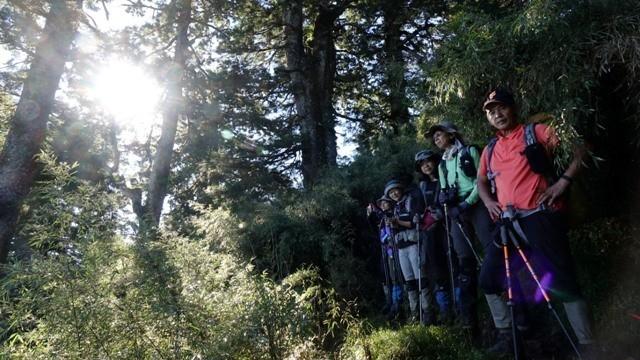 國人常擔憂「山是可怕的」,開放山林勢必要開展登山教育、盤點救援能量。