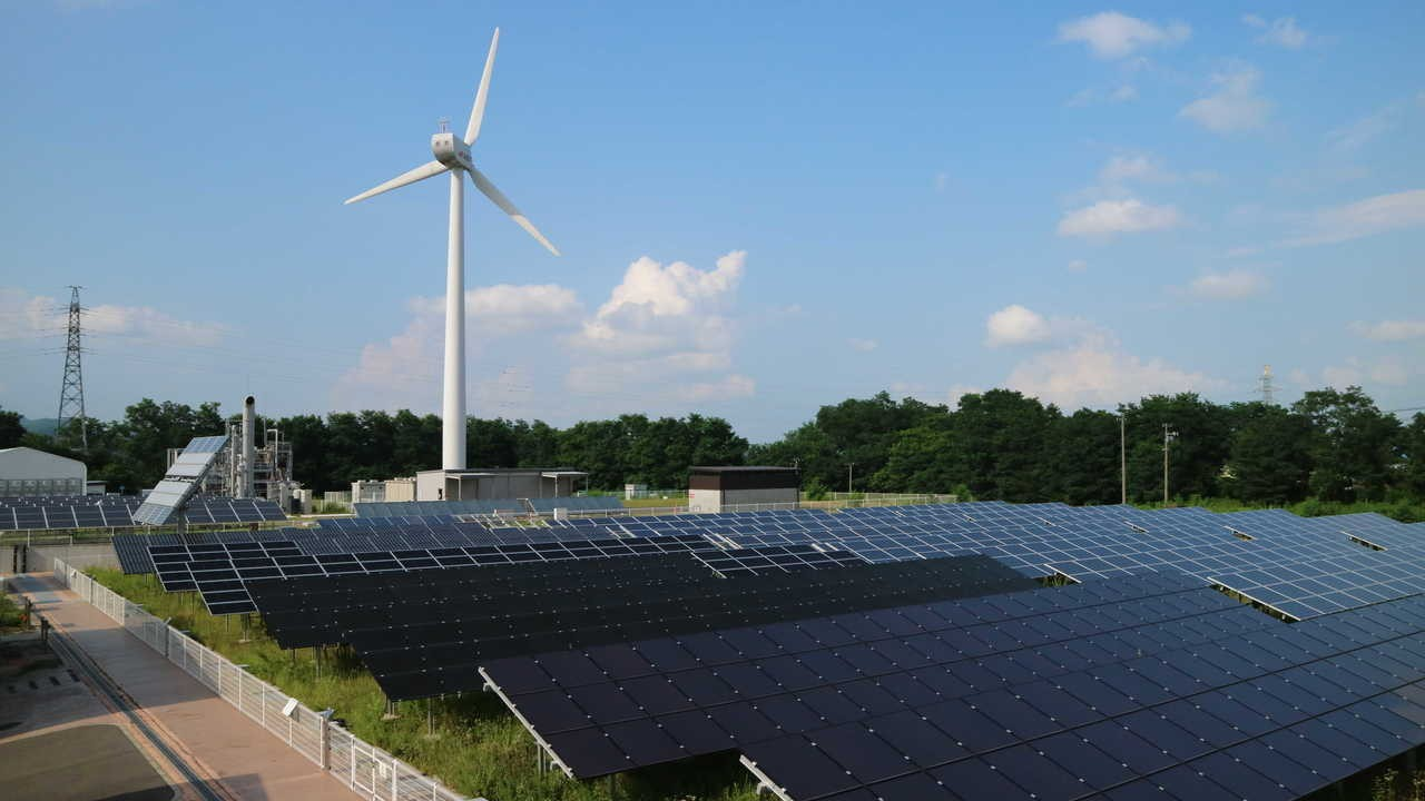 日照強烈,福島的太陽能業蓬勃發展。