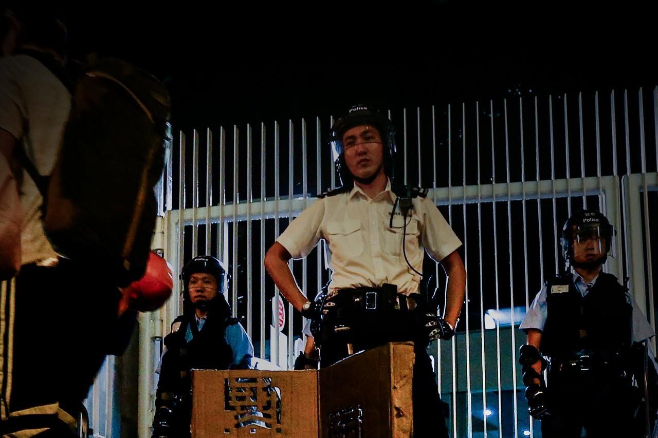 「逃犯條例」修正草案引發百萬港人抗議,香港警方派出大批警力鎮守。特派記者王騰毅/攝影