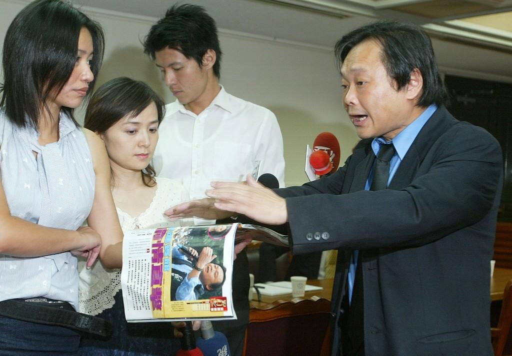 圖為2006年立法委員王世堅遭週刊報導帶助理上賓館。聯合報系資料照