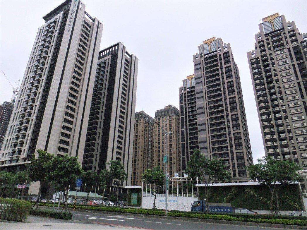 新莊副都心中央路街景。記者游智文/攝影