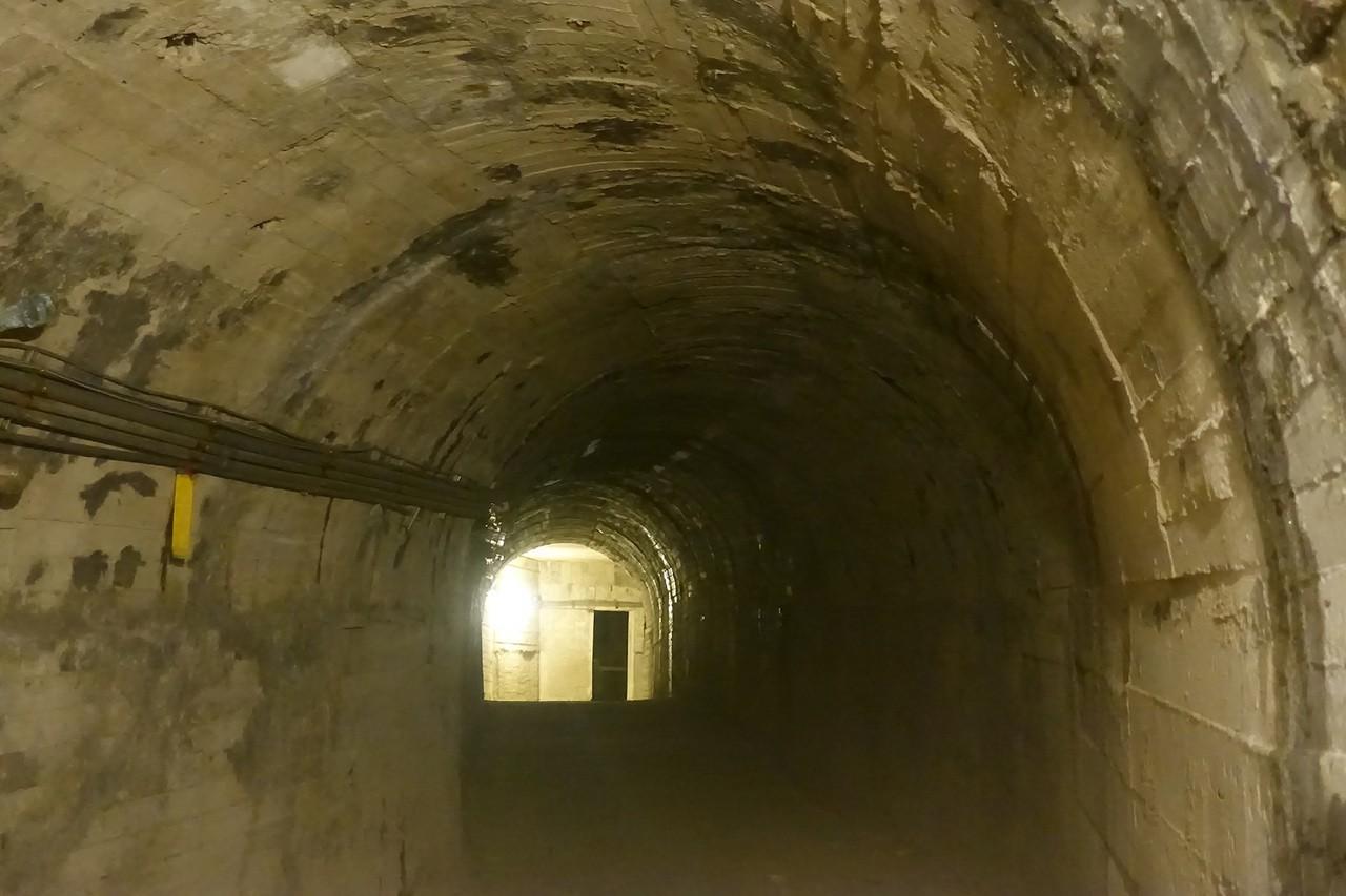 軍事坑道。圖/網友提供