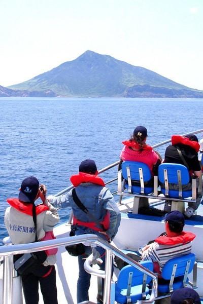 龜山島3月1日開島!每天開放1800名遊客登島、百人攻頂