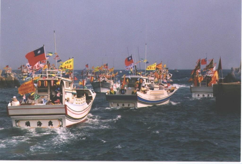 澎湖天后宮媽祖海上出巡遶境。聯合報系資料照片/記者肇瑩如攝影
