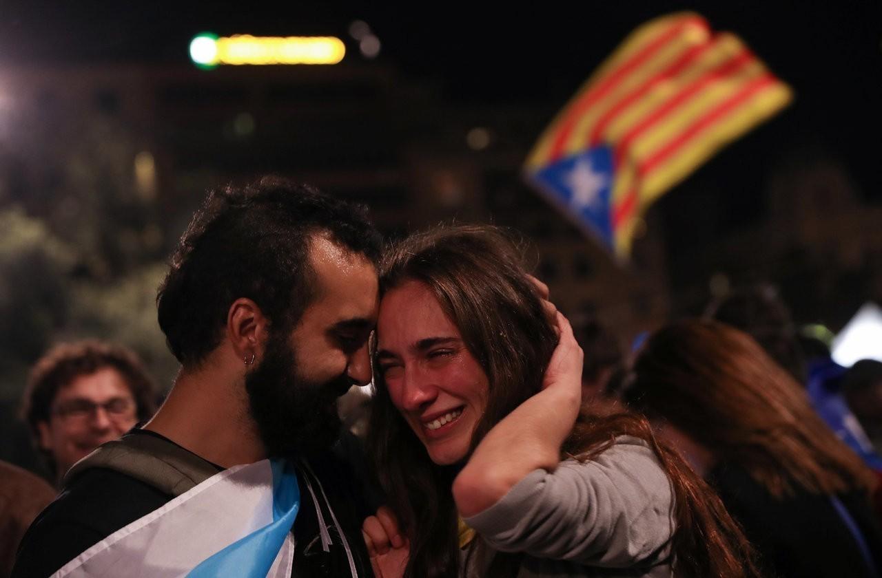 加泰隆尼亞宣布獨立
